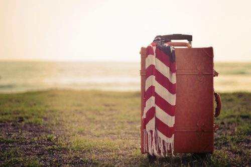 海辺のスーツケース