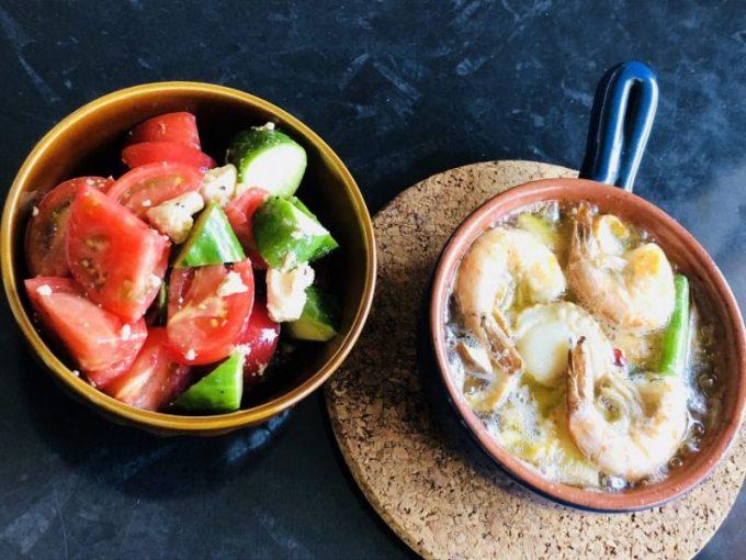 アヒージョとトマトサラダ
