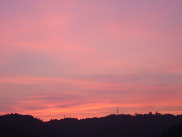 宮崎県延岡市富美山町のピンクの夕焼け